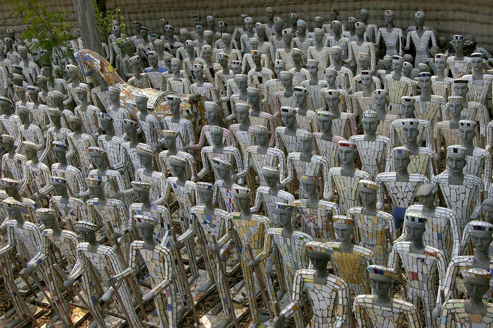 Nek Chand, Rock Garden, photo © Raw Vision (downloaded from Nek Chand Foundation website)