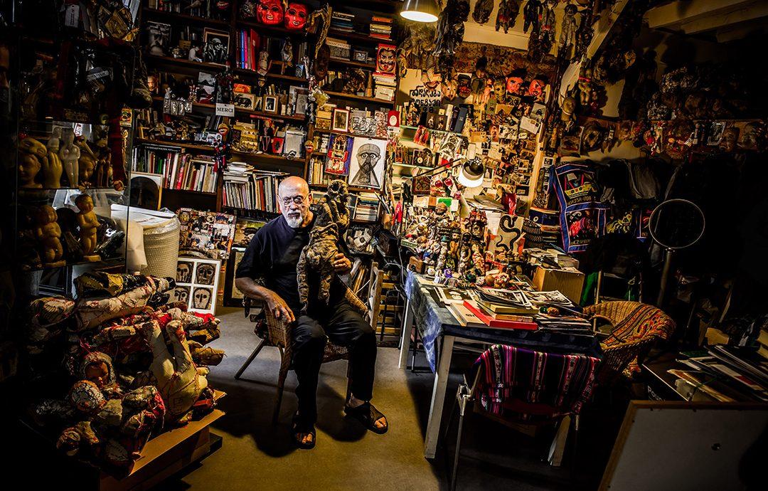 michel nedjar in his atelier à saint-martin © pierre-emmanuel rastoin